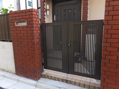 事例紹介に「開閉の調子が悪くなった玄関門扉を新しく!」を追加しました。