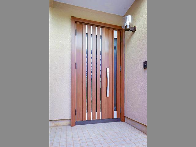 どんな玄関ドアにリフォーム出来る?玄関ドアの種類とメリット!①