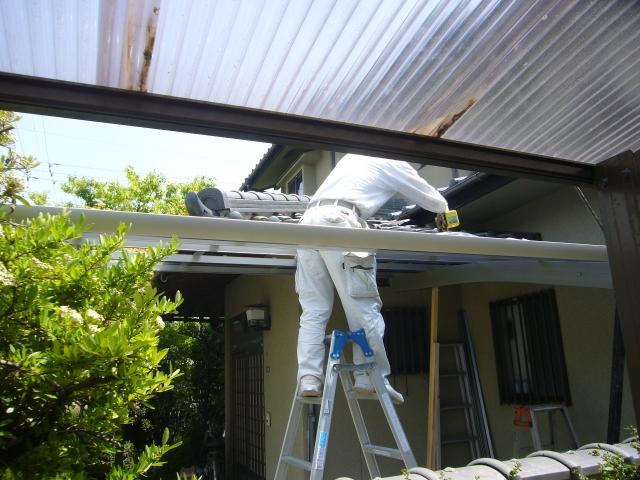 カーポートの屋根が台風で飛ばされた際の修理・交換!