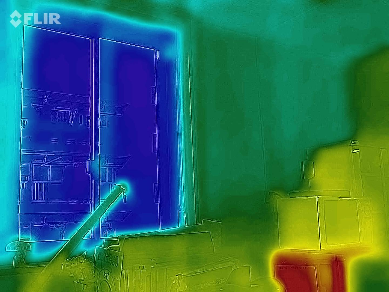 冬の窓はこんなに冷たい…!寒さ対策には窓リフォーム!