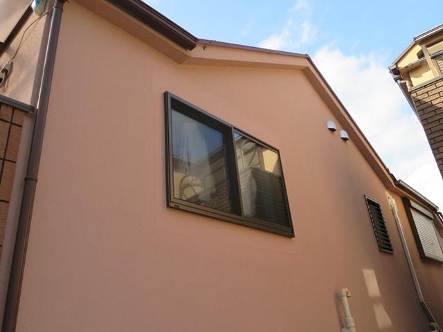 出窓の雨音解消!さらにトリプルガラスで快適!