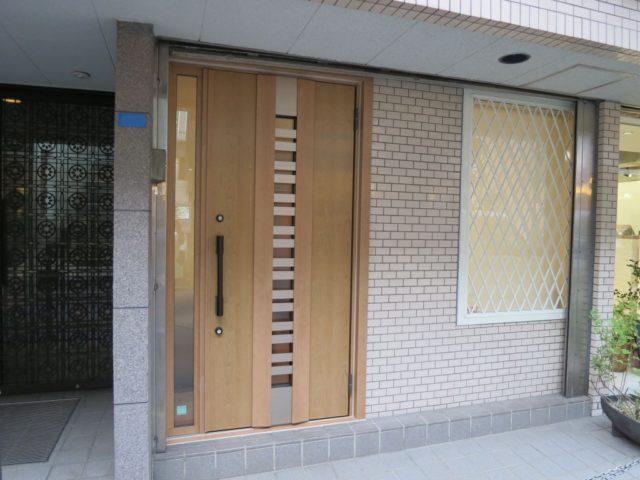 玄関ドア交換と面格子で防犯性能UP!(横浜市港北区)