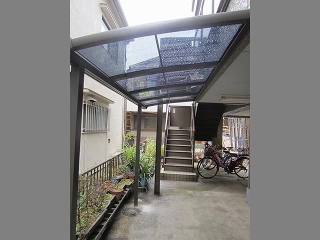 駐輪場屋根でしっかり雨除け!