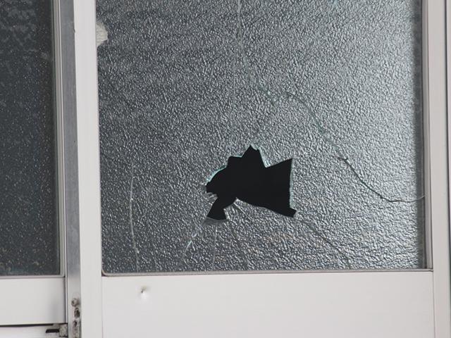 マンションのガラスが割れた!修理は?費用は誰が負担するの?