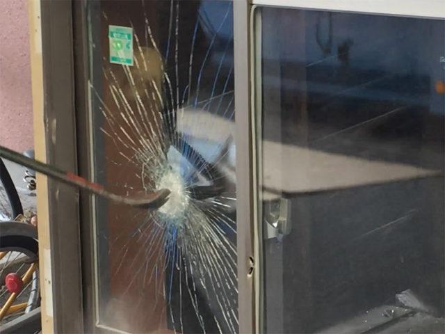 【窓リフォーム】防犯ガラスの費用相場やオススメ商品は?