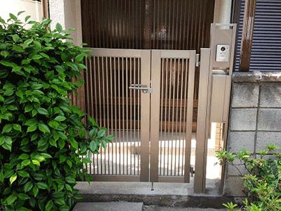 事例紹介に「新しい門扉に交換!伸縮門扉のリフォーム」を追加しました。