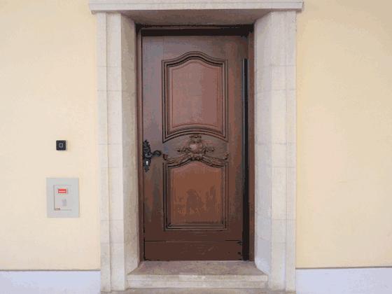 玄関ドアリフォームの費用・相場は?補助金は?引き戸も出来る?