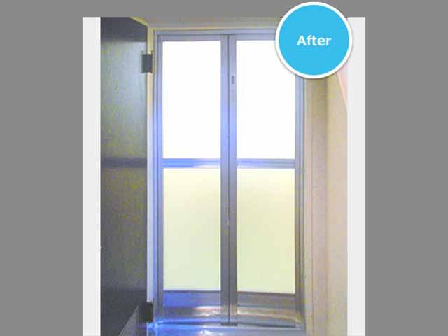 浴室ドア施工後2