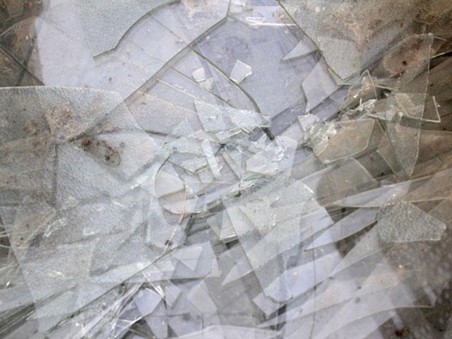 台風で窓ガラスが割れた!対処方法や交換費用は!?