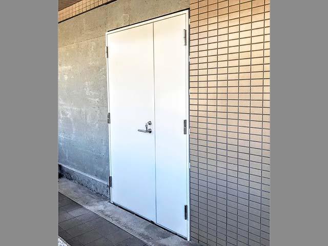 マンションのスチールドア(鉄扉)の設置!